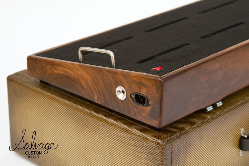 walnut pedalboard with zombie tweed case though i prefer it with the bourbon burst case. Black Bedroom Furniture Sets. Home Design Ideas