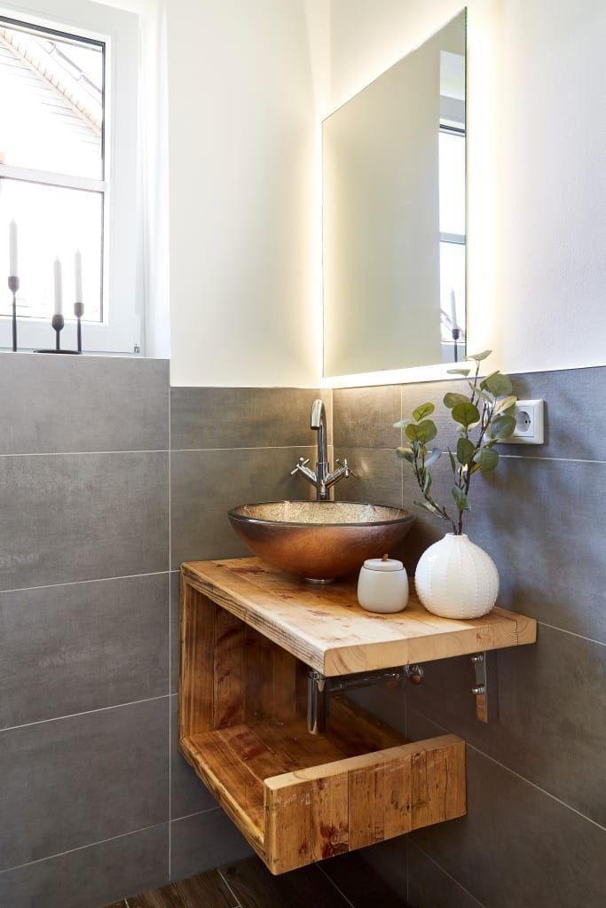 Photo of Gästebad im landhausstil moderne badezimmer von banovo gmbh modern holz holznachbildung | homify