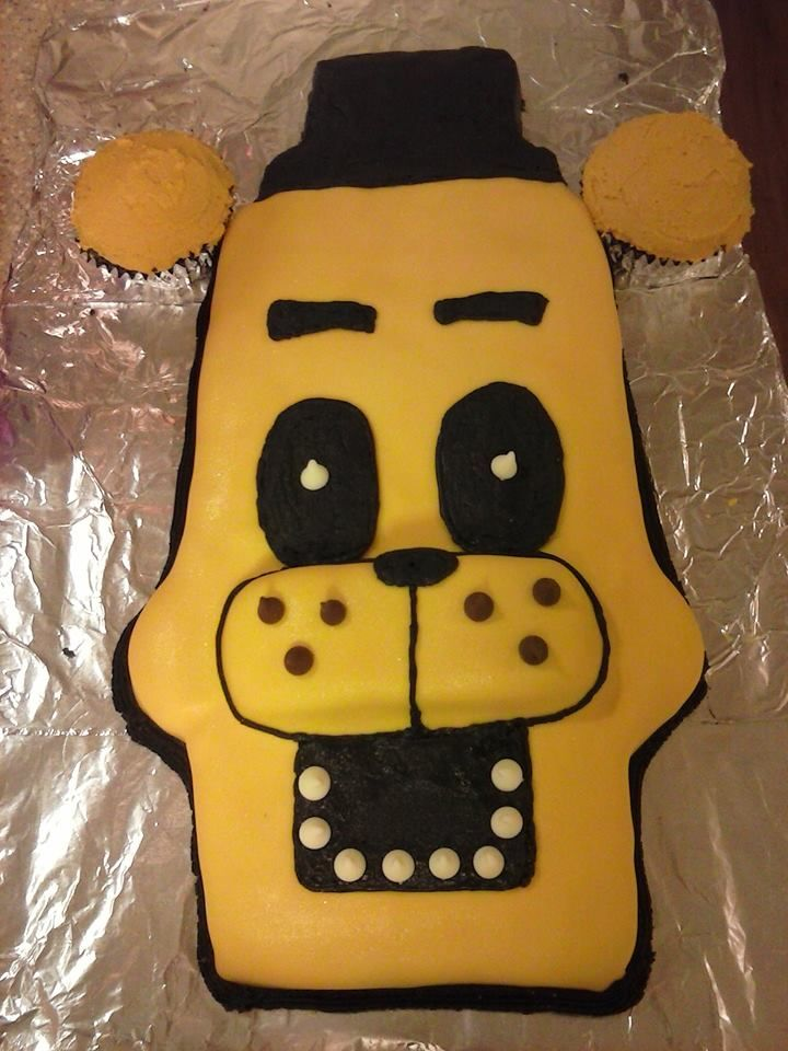 Five Nights at Freddie's Golden Freddie Birthday Cake