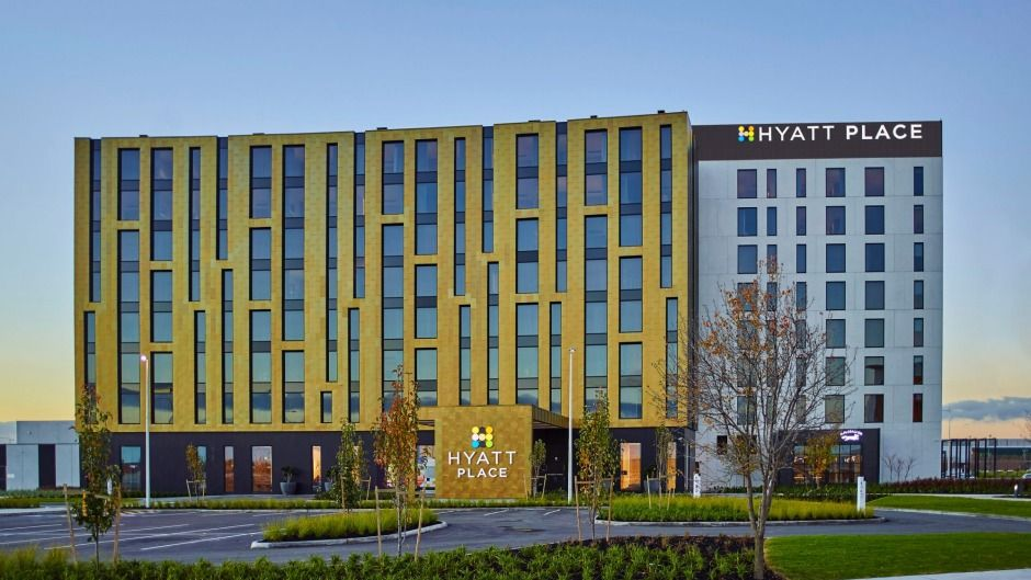 Australia's first Hyatt Place business hotel opens in Melbourne http://www.traveller.com.au/hyatt-place-melbourne-gets-sleek-new-business-hotel-gwrrh0 via @TravellerAU #HyattPlace #Melbourne #Hotels