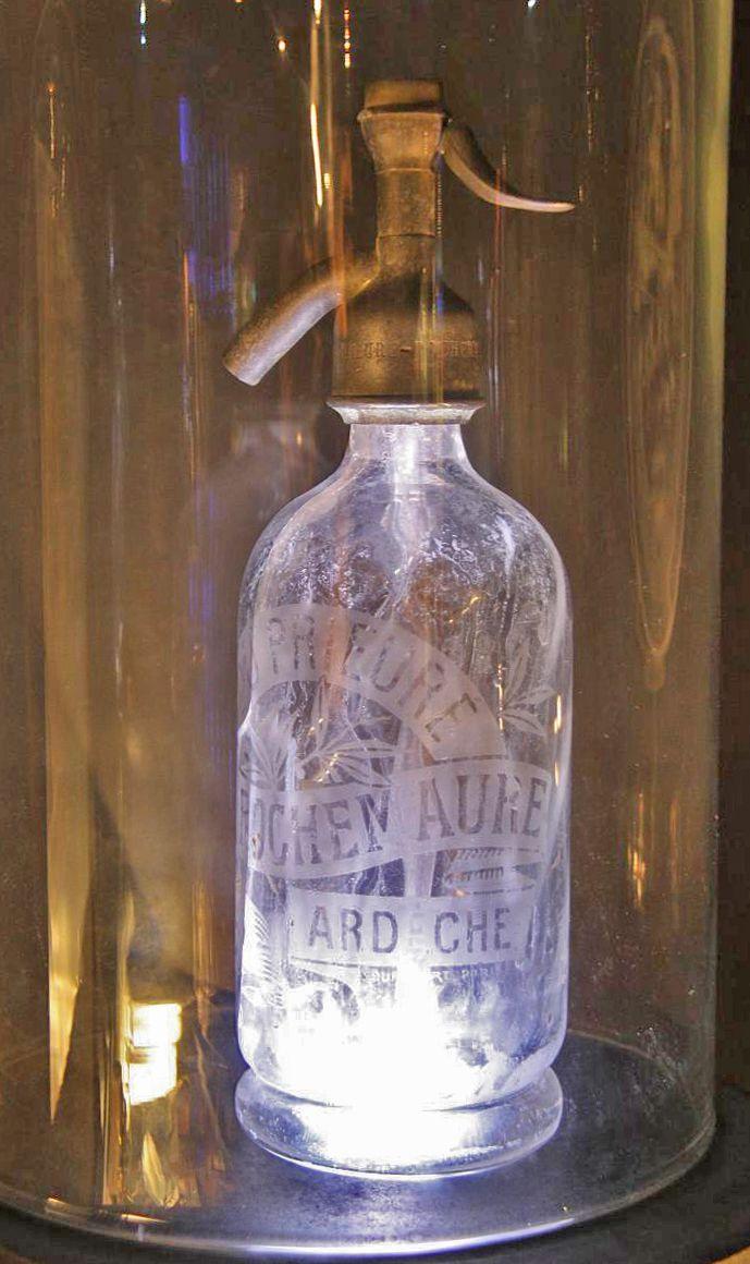 bouteille d 39 eau de seltz bar drinks pinterest bottle vintage bottles and shabby. Black Bedroom Furniture Sets. Home Design Ideas