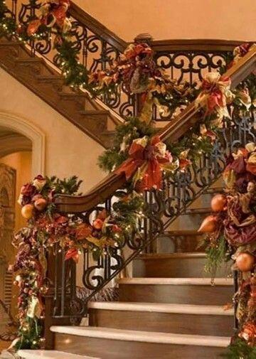 Escaleras decoradas ideas para navidad pinterest - Decoracion navidena amazon ...