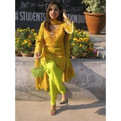 5f5f1896b3 Desi Girl in Green Salwar Kameez | green suit | Salwar kameez, Desi ...
