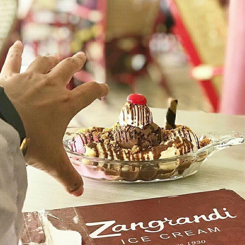 Kuliner Jajanan Makanan Khas Surabaya Jawa Timur Ice Cream Zangrandi