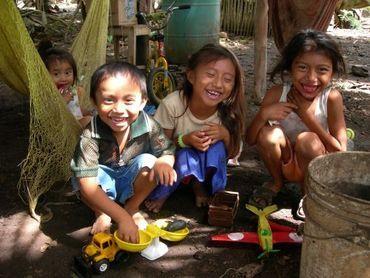 Children of Xmaben, Mexico, Photo: I. de Castro