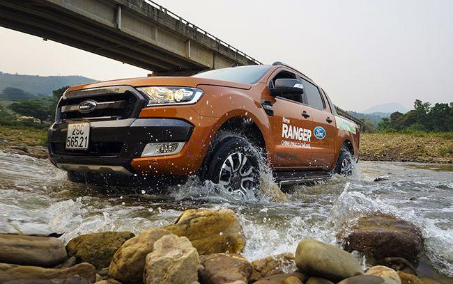 """Ford Ranger tiếp tục soán ngôi Toyota Vios 2016 để dẫn dầu doanh số bán chạy nhất trong tháng 4, Mazda3 tuy dính lỗi """"cá vàng"""" nhưng doanh số của Ford vẫn đạt được 1.005 xe được bán ra và nằm ở vị trí thứ 4 trong tốp 5 xe bán chạy nhất tháng 4 tại thị trường Việt."""