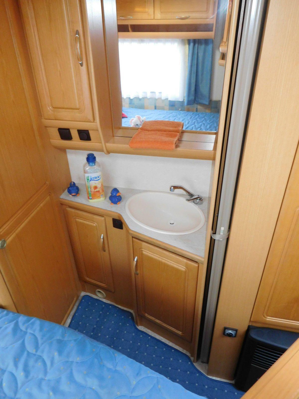 Közzétéve itt Motorhome Campers Caravan