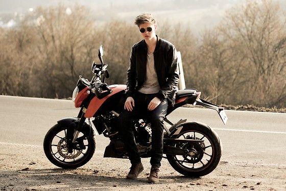 MOTORCYCLING #Levis #501 (by Leon  David) http://lookbook.nu/look/4754985-MOTORCYCLING-Zara-Leather-Jacket-Levi-s-Jeans