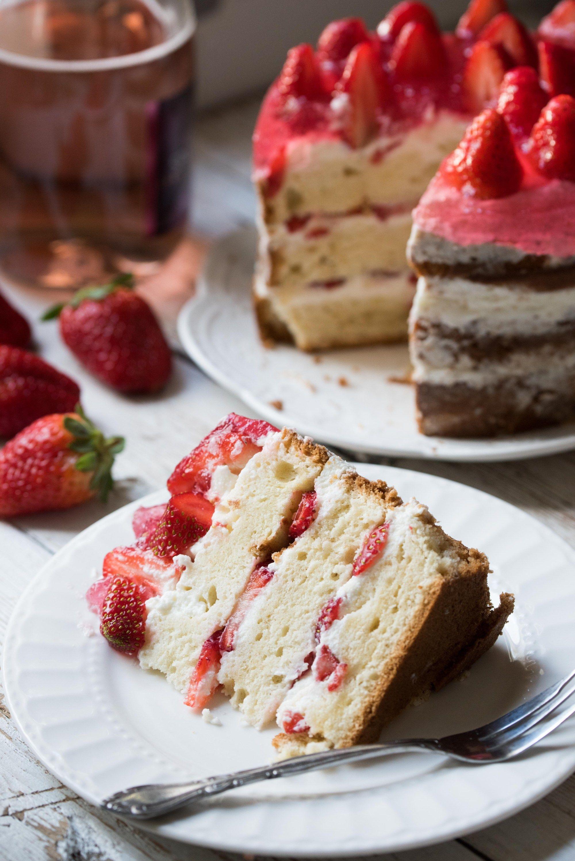עוגת תותים שמנת וג'לי Jelly cake, Cake, Cakes and more