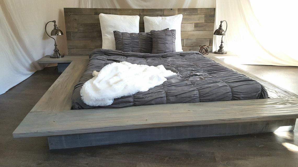 Christine Moderne Epure Basse Plate Forme En Bois Massif Lit Attache Tables De Chevet Wood Bed Frame Solid Wood Bed Reclaimed Wood Bed Frame
