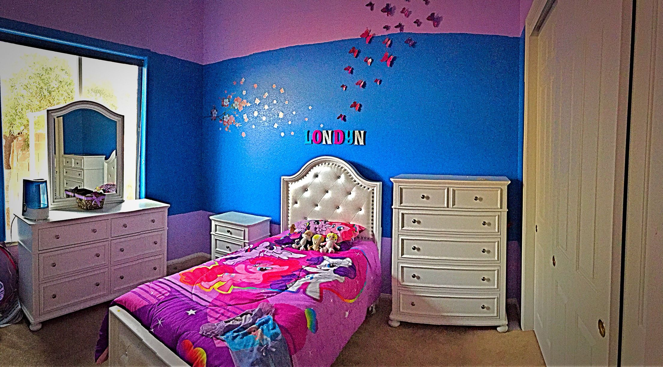 Girls blue and lavender room idea. SW 6822 Wisteria (lavender) SW Danube (blue)