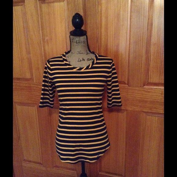 Gap shirt Navy and orange striped top. Like new. Lightweight. GAP Tops