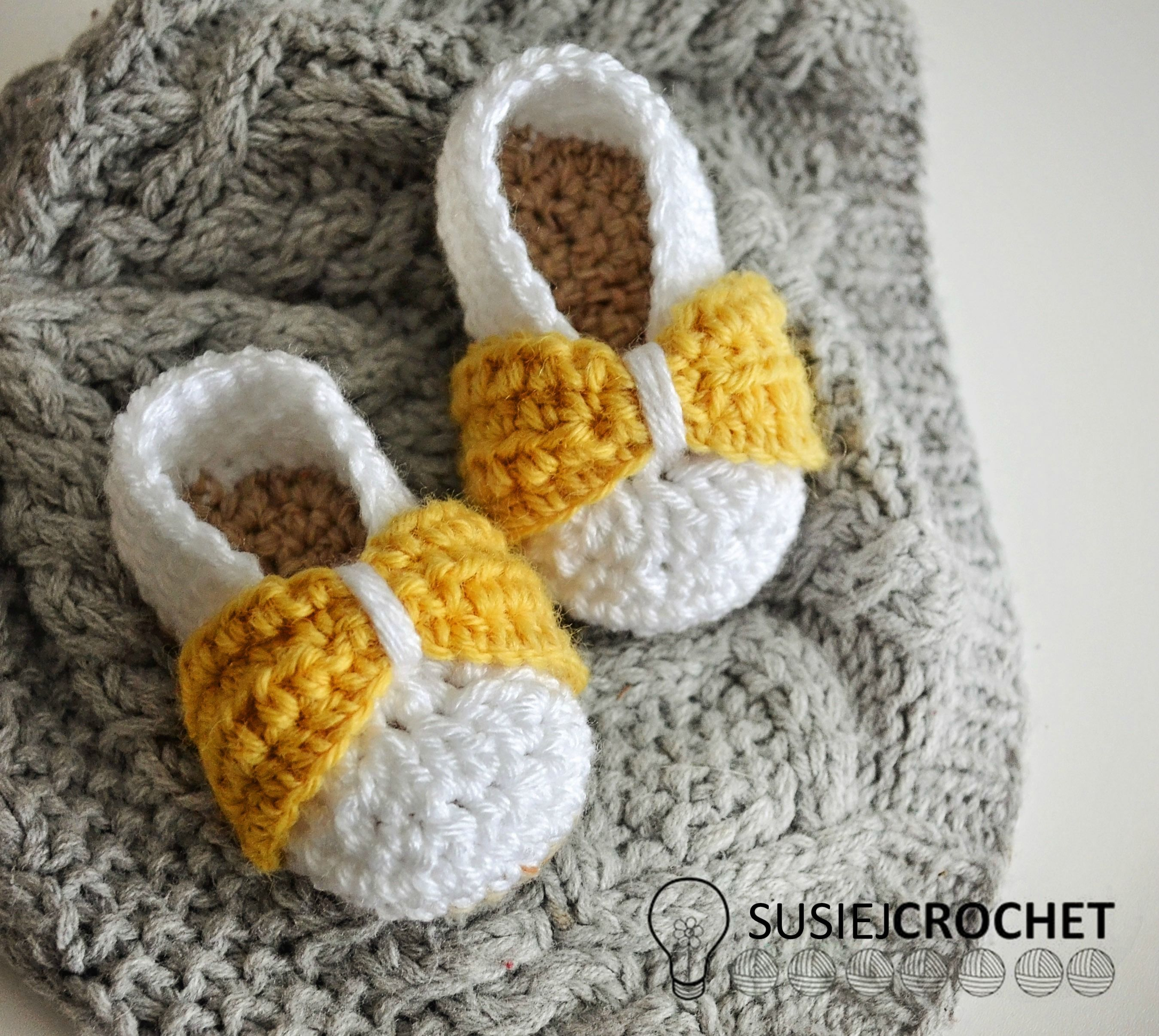 Crochet Pattern for Baby Bow Shoes! #susiejcrochet | Susie J Crochet ...