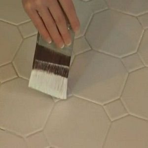 How To Paint Wall Tile In 4 Steps Painting Ceramic Tile Floor Ceramic Floor Tiles Painting Ceramic Tiles
