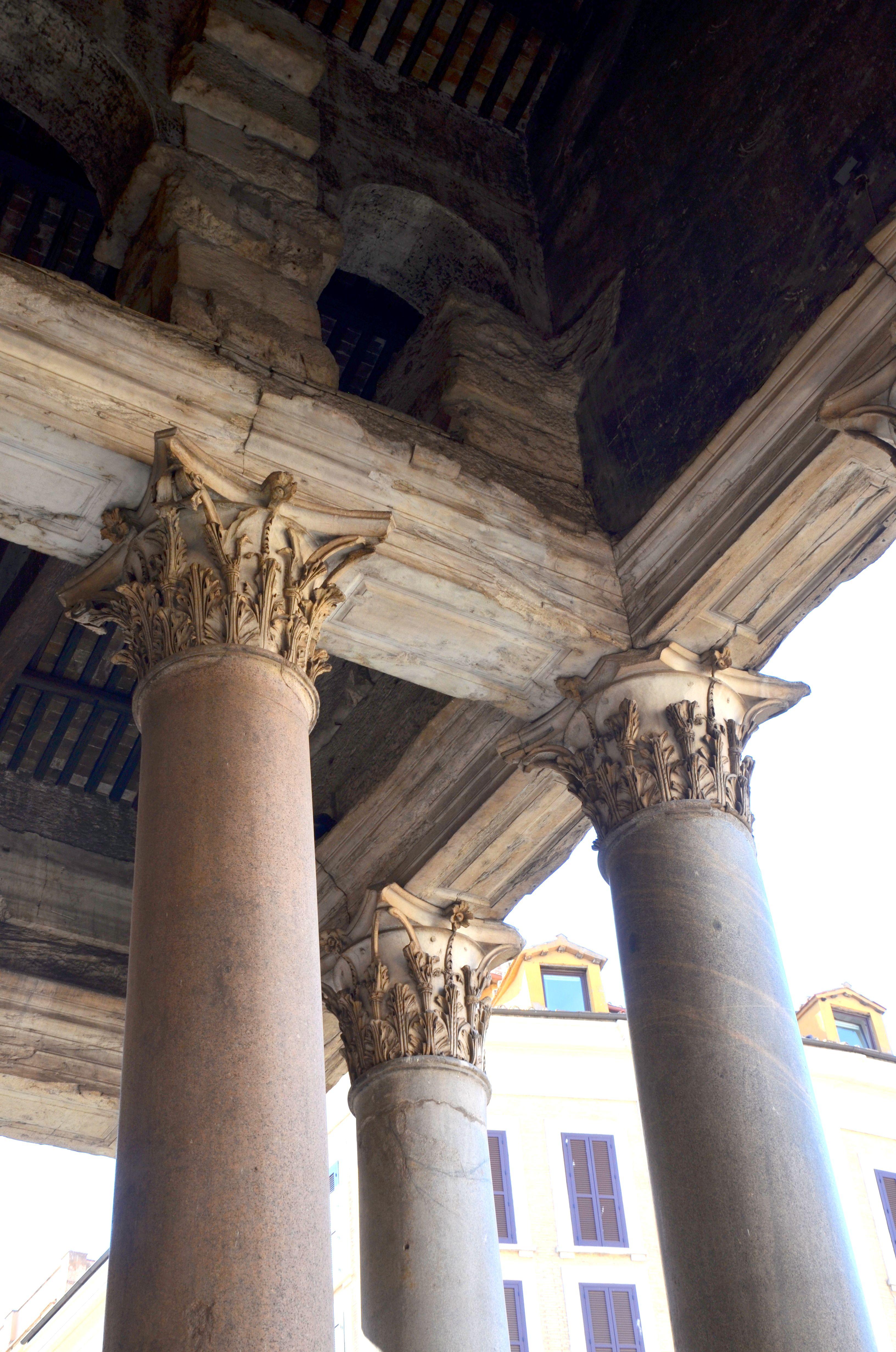 Panthéon Rome | Le portique de façade comporte 16 colonnes ...