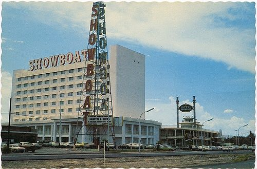 Showboat Casino Las Vegas 1961 The Riverboat Themed Casino Opened In 1954 At The Intersection Of Fremont Stree Holidays Las Vegas Las Vegas Casino Las Vegas