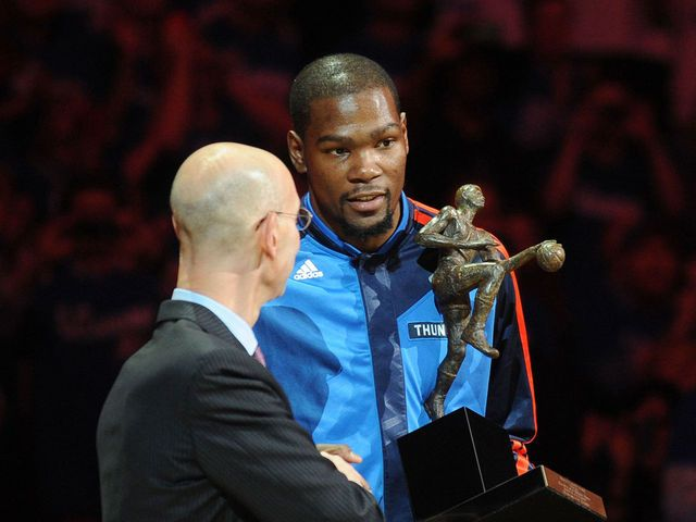 e19368e135a0 Adam Silver presents Kevin Durant with MVP trophy