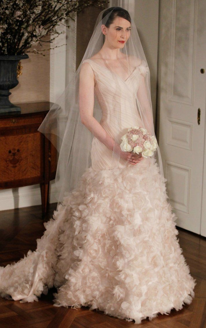 Gorgeous Bridal Gowns that make the Ultimate Romantic Statement ...