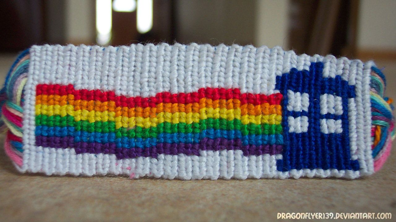 Doctor Who Rainbow Tardis friendship bracelet pattern number 9199 ...