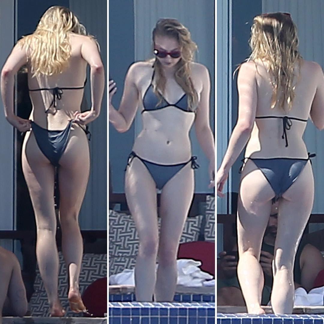 Sansa Stark Err Sophie Turner Slaying In A Bikini Is Something We