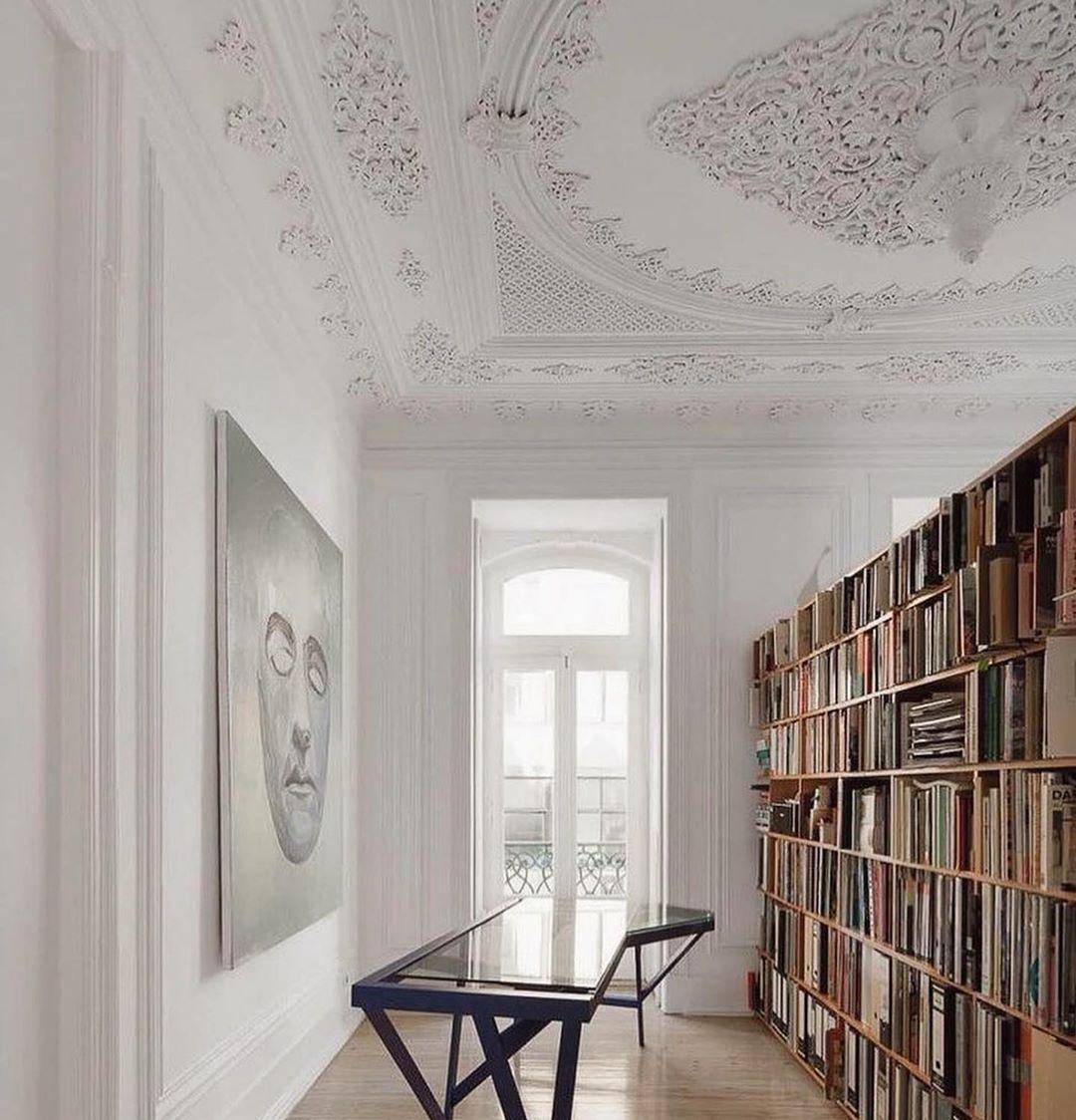 "M O D U  Studio on Instagram: ""That ceiling...🤍 Via @maandpartners #ceilingdesign #librariesofinstagram #officedecor"""