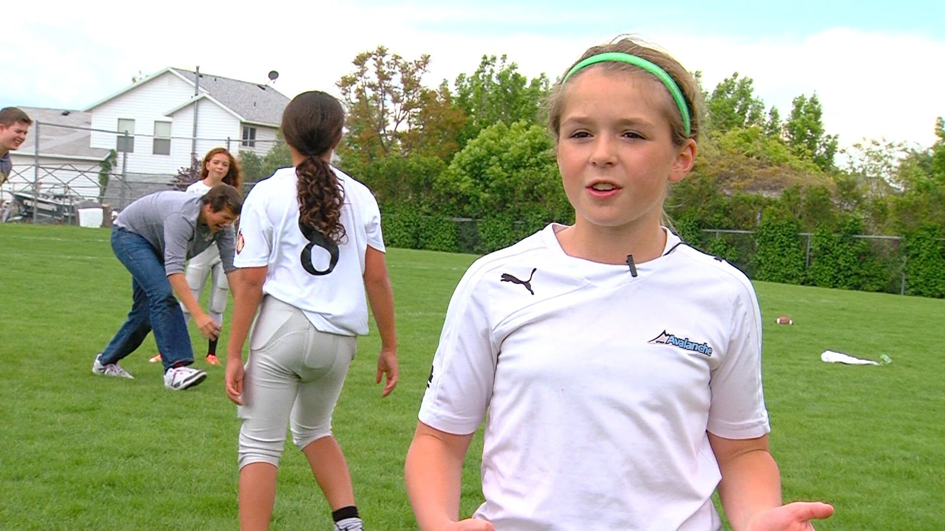 Utah Hosts First Girls Only Tackle Football League With Images Tackle Football Football League Football Girls