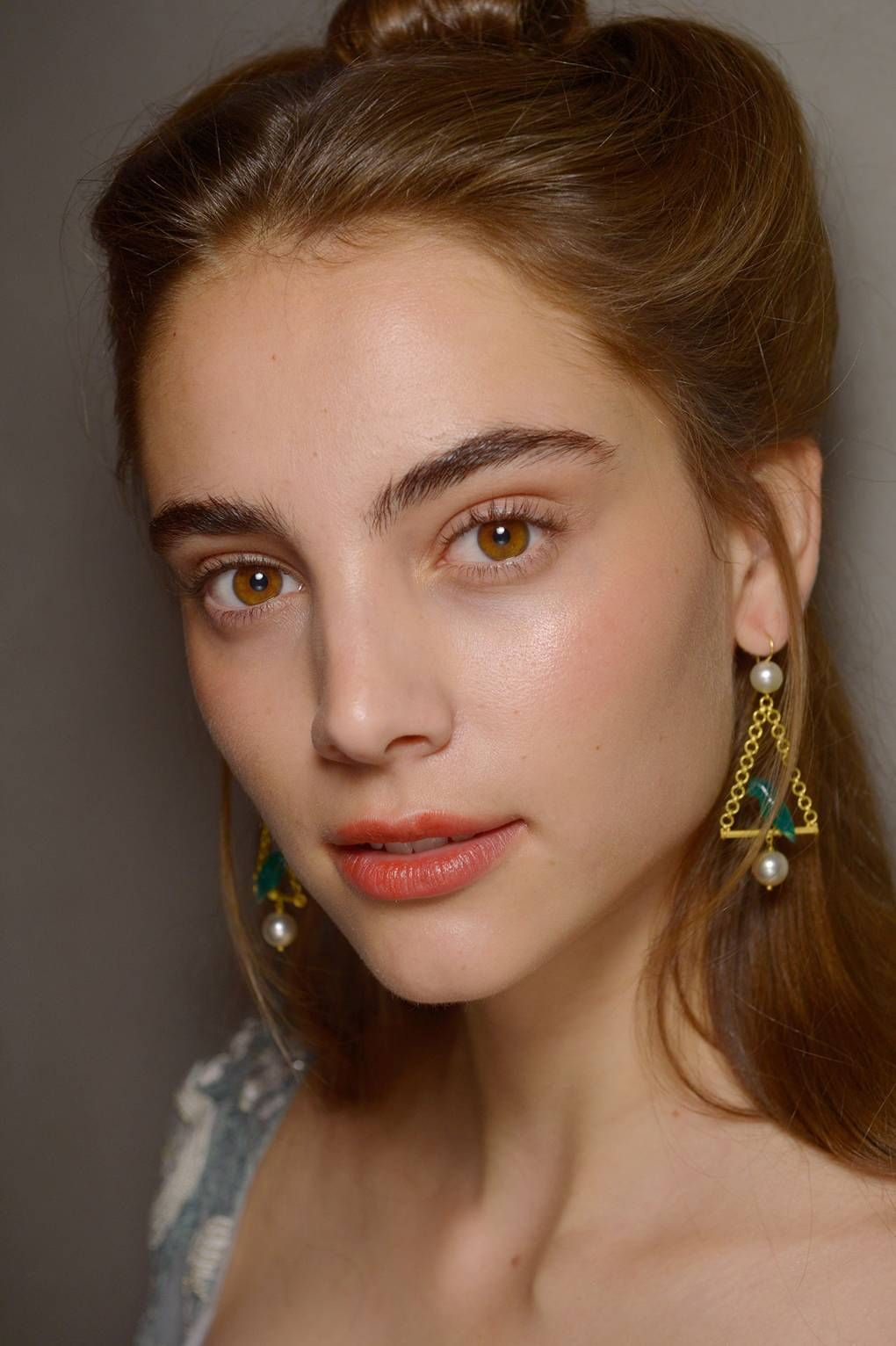 The 11 Key Beauty Trends Of Spring Summer 2019 Summer 2019 Makeup