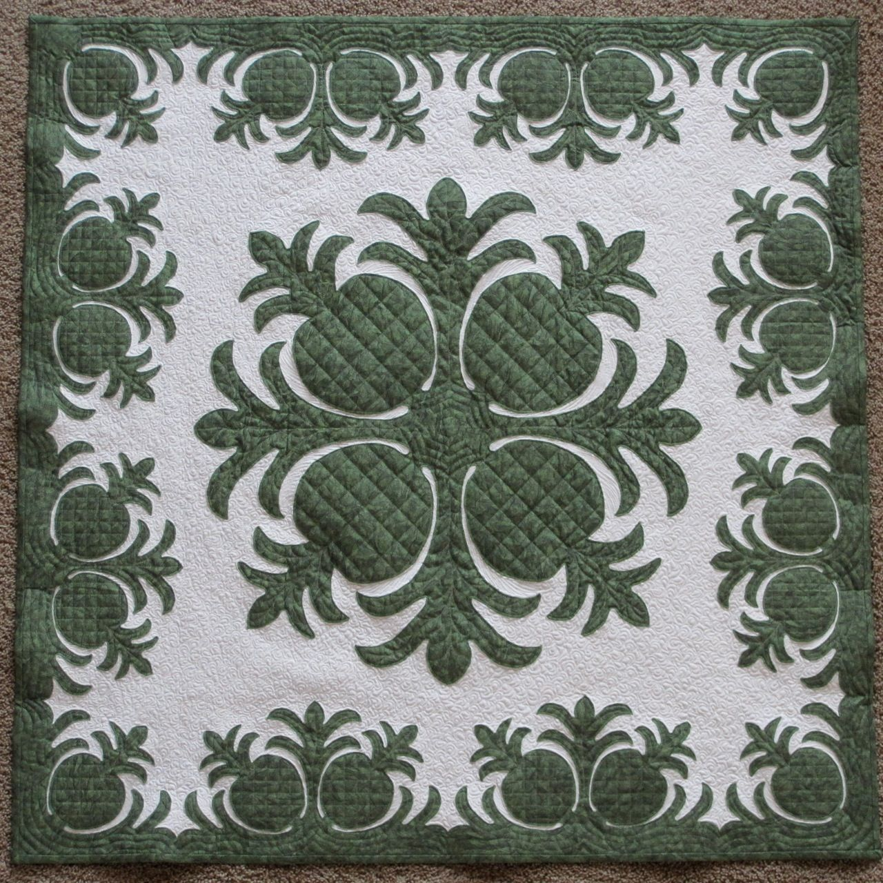 hawaiian quilt pattern - I have an idea to stencil something like ...