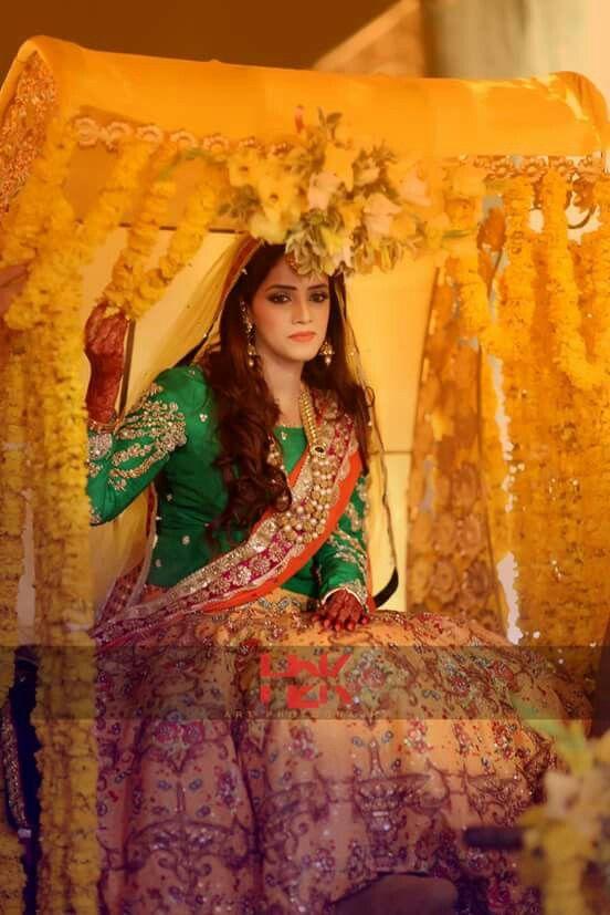 Mehndi Traditional Dresses : Pakistani wedding photography perfect muslim