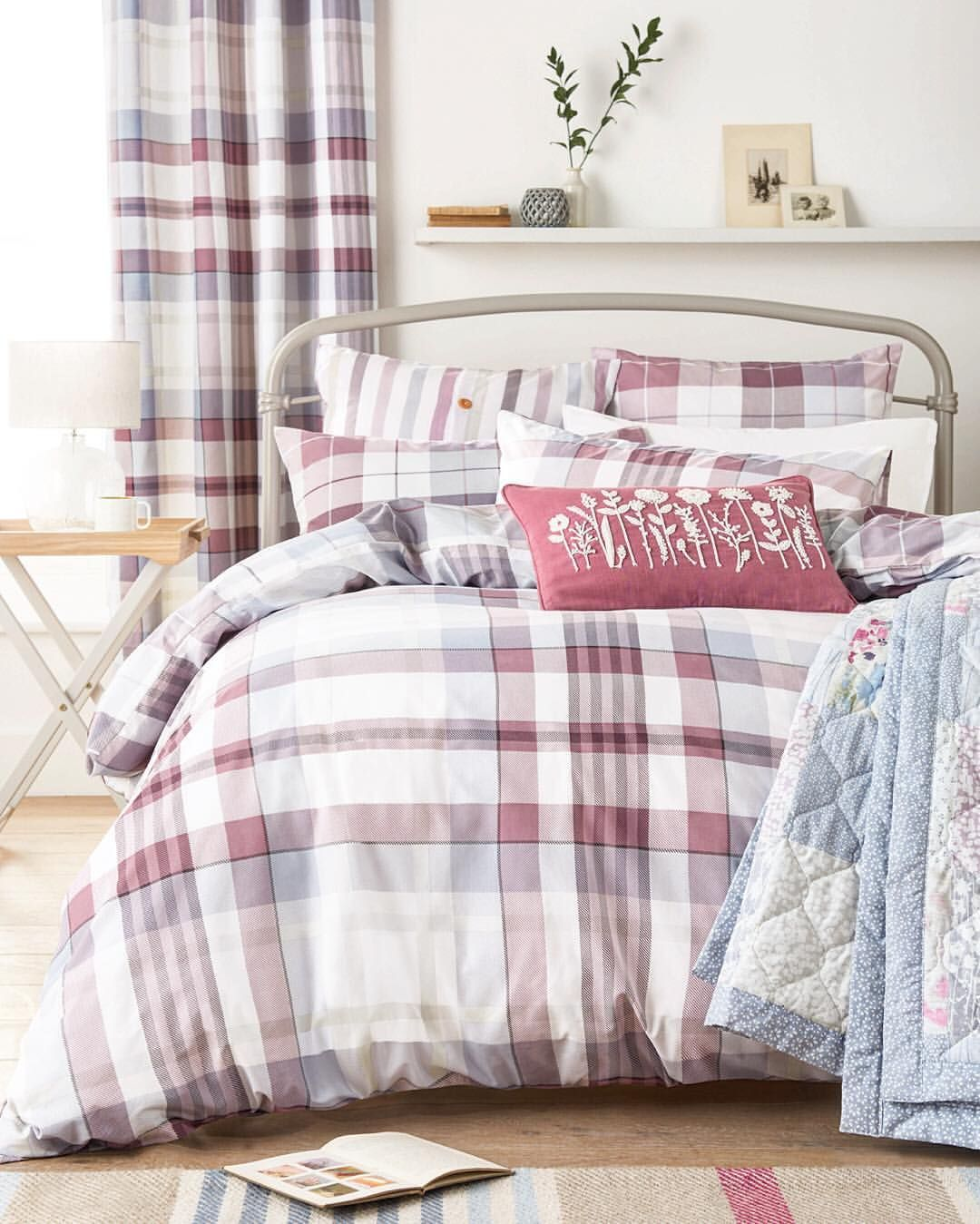 Just like bread and butter, left and right, table and chairs.... Sunday and your bed are an inseparable combination  Transform your bedroom into the perfect Sunday sanctuary by tapping the link in our bio and exploring NEW bedding ranges. #perfectpairs #bedding #home #homedecor #bedroom #check #countrycottage #sunday #relax Product code: 362056