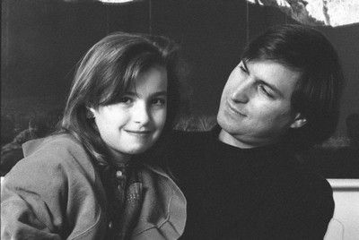 Steve Jobs And His Daughter Lisa Steve Jobs Images Jobs Daughters Steve Jobs