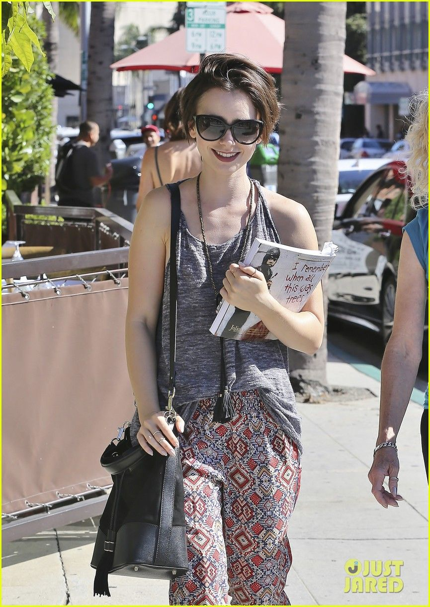 Lily Collins Meets Up With Mom Jill For Julien's Street Art Auction