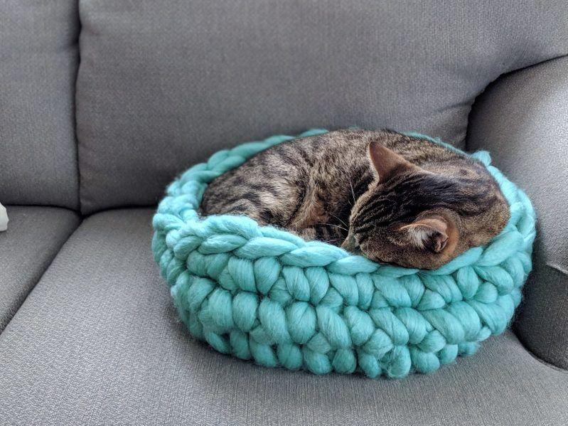 Chunky Yarn Cat Bed Free Crochet Pattern Jumbo Yarn Tutorial Pet Bed Dog Bed Diy Handmade Crochet Cat Bed Cat Bed Pattern Crochet Cat Pattern