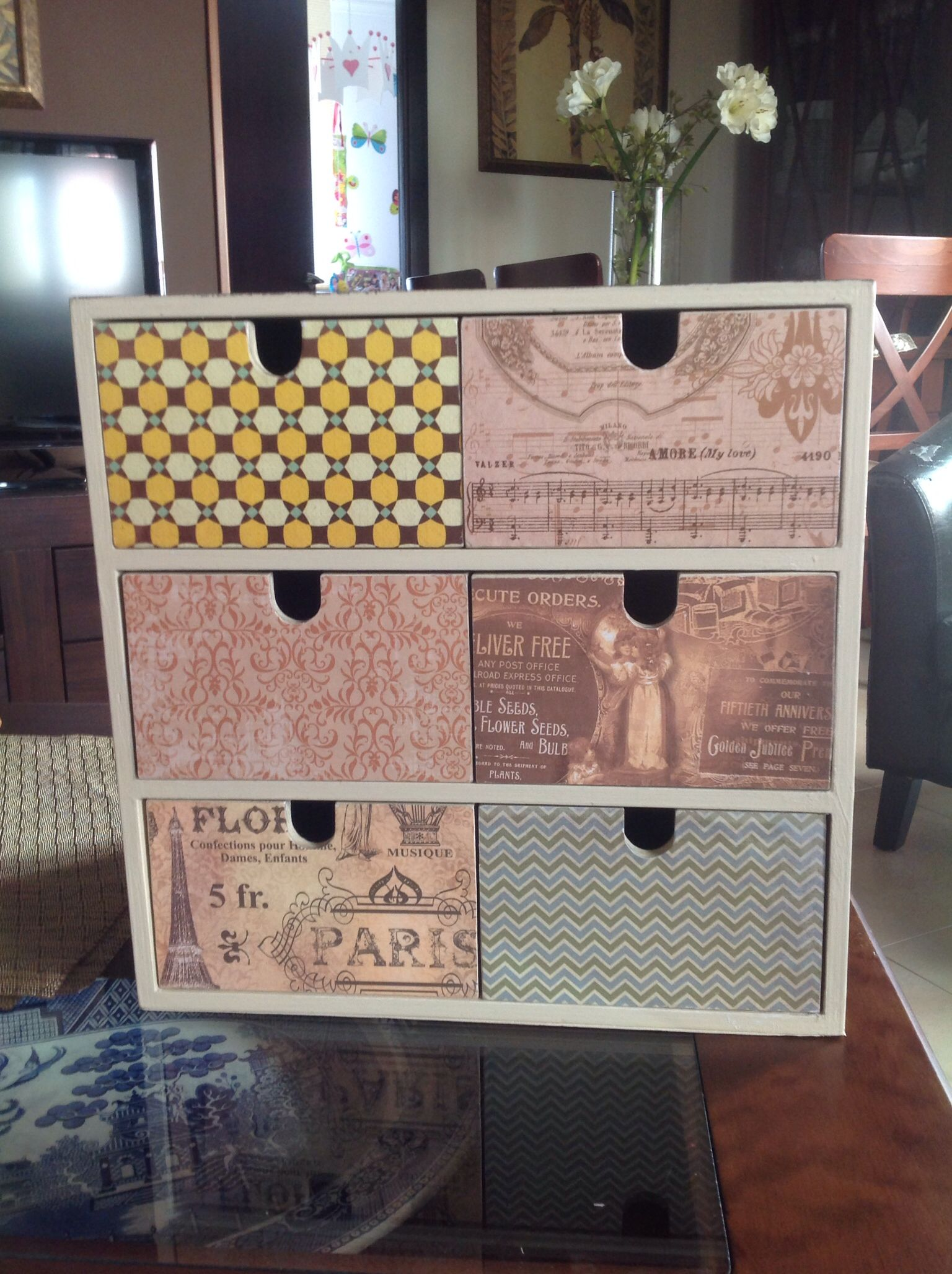 Mueble De Ikea Decorado Con La T Cnica De Decoupage Cute Diy  # Muebles Sixties