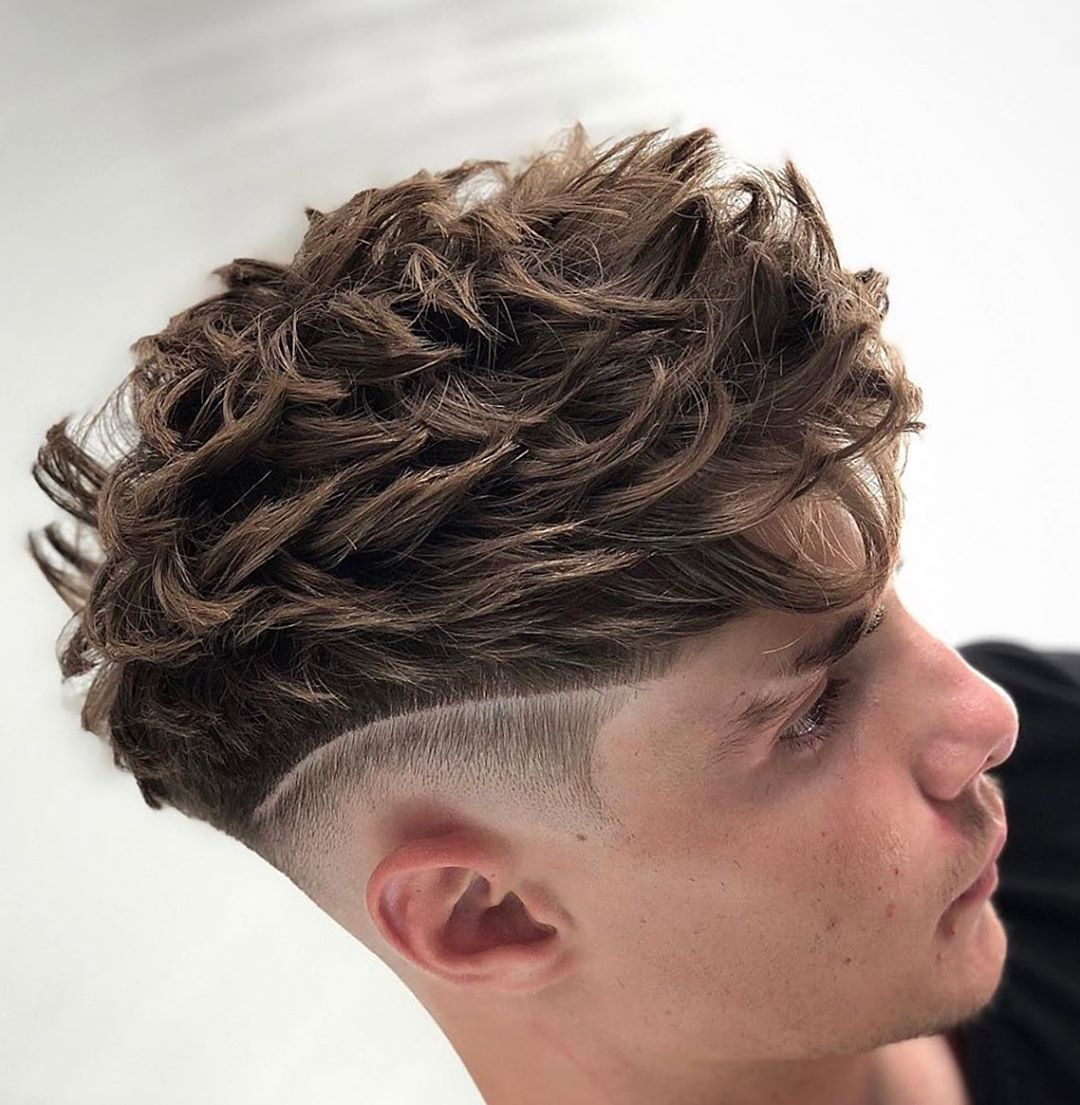 Mens Hairstyles Tondeusecheveux Courtsdarty Cremecoiffante Tondeuse Coupe Cheveux Frises Homme Style De Coupe De Cheveux Coiffure Homme Cheveux Boucles