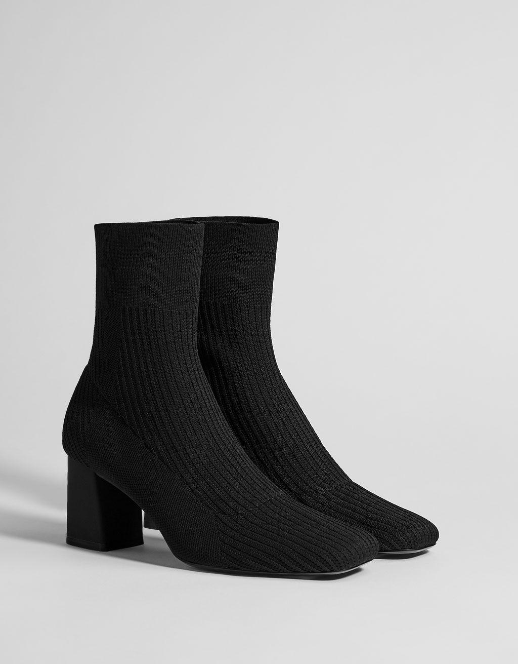 Bottes et bottines   Les 20 bottines chaussettes tendance 2019 Les Bottines  Chaussettes Noires 4759b6865a29