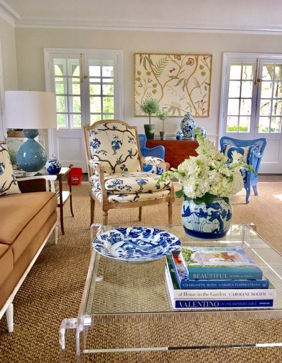 Unknown A Wonderful Mix In This Living Room With Blue And White Chinese Porcelain A Lucite Coffee Table Chinoiserie Fabr Interior Furnishings Interior Design #red #white #and #blue #living #room