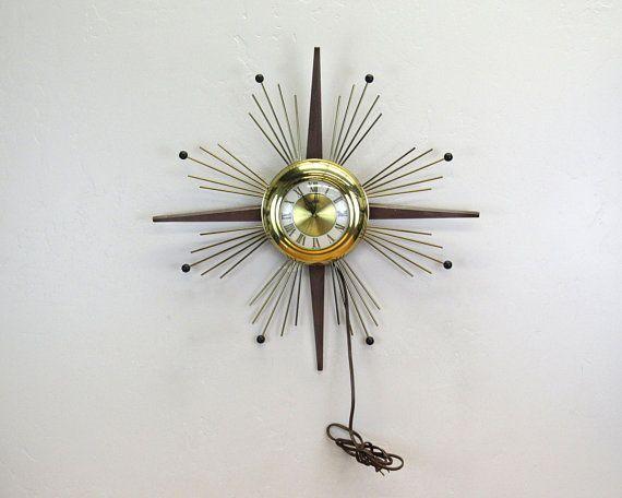 Vintage United Atomic Starburst Electric Wall Clock E8902