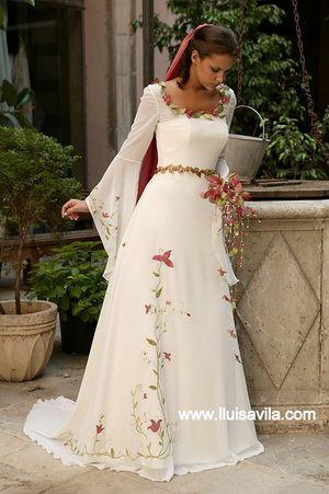 trajes medievales | este precioso vestido blanco con mangas con