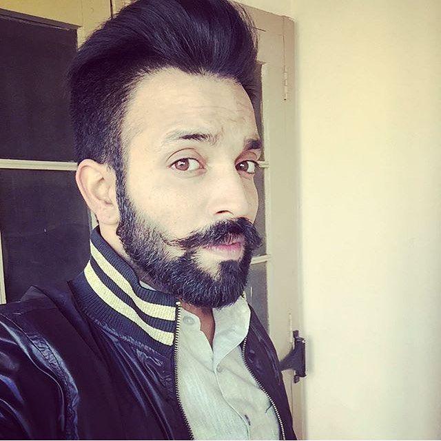 Sukh E Muzical Doctorz Punjabi Singer