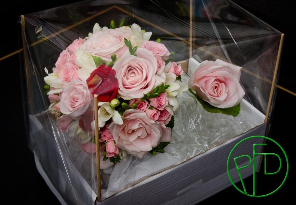 Bridal bouquet with roses #weddingbouquet #weddingideas