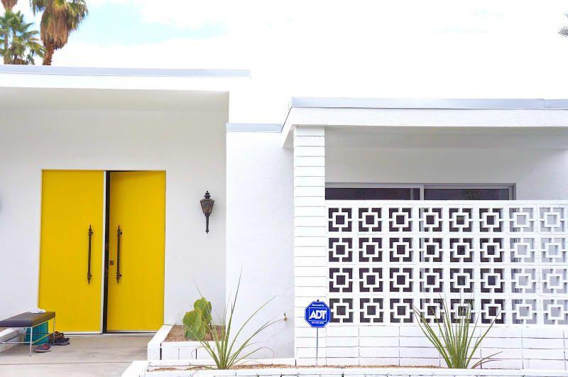 Modernism Week's FirstEver Door Tour Reveals Palm Springs