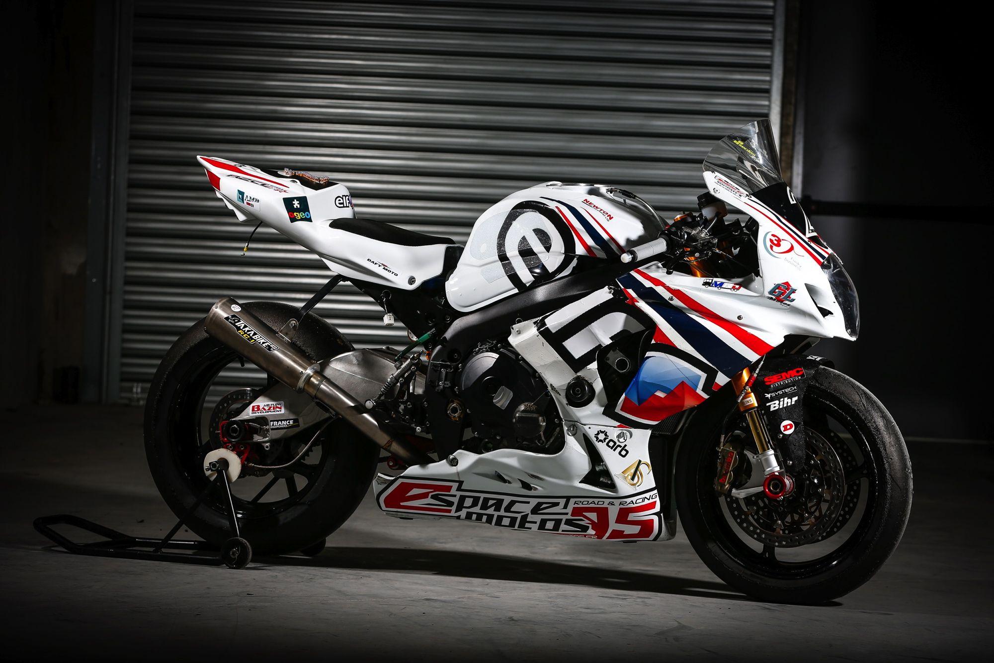 Team R2cl 2 Motorcycle Suzuki Gsx R 1000 Tyres Dunlop Class