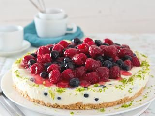 Frischkäse-Kuchen mit Beeren