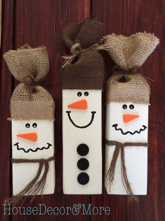 Lot de 3 bonhommes de neige en bois rustiques - décor rustique décor de Noël - Set de bonhomme de neige primitif - bonhomme de neige d'hiver #rusticchristmas