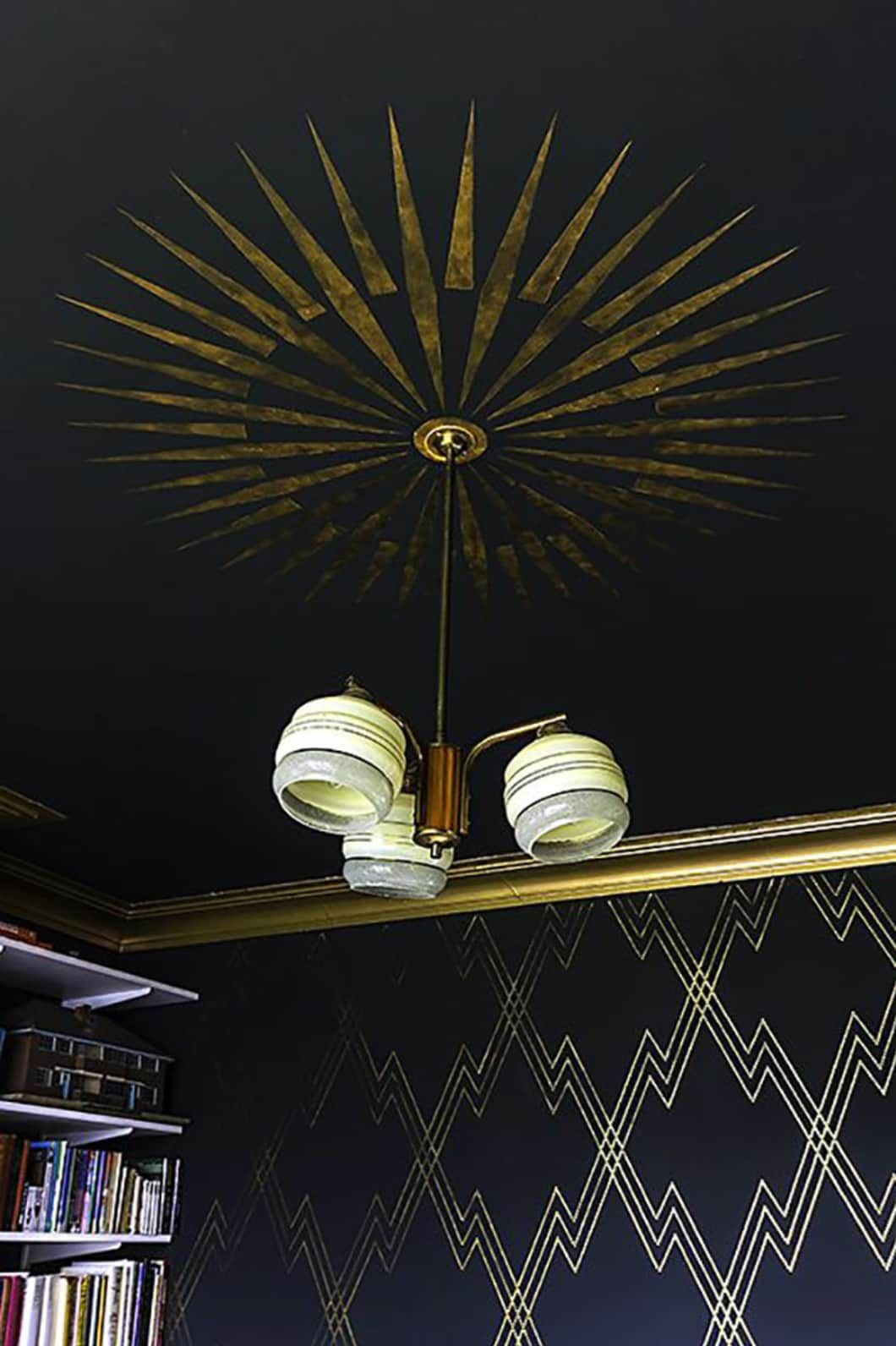Photo of Low-Risk Ways to Layer in Some Art Deco At Home