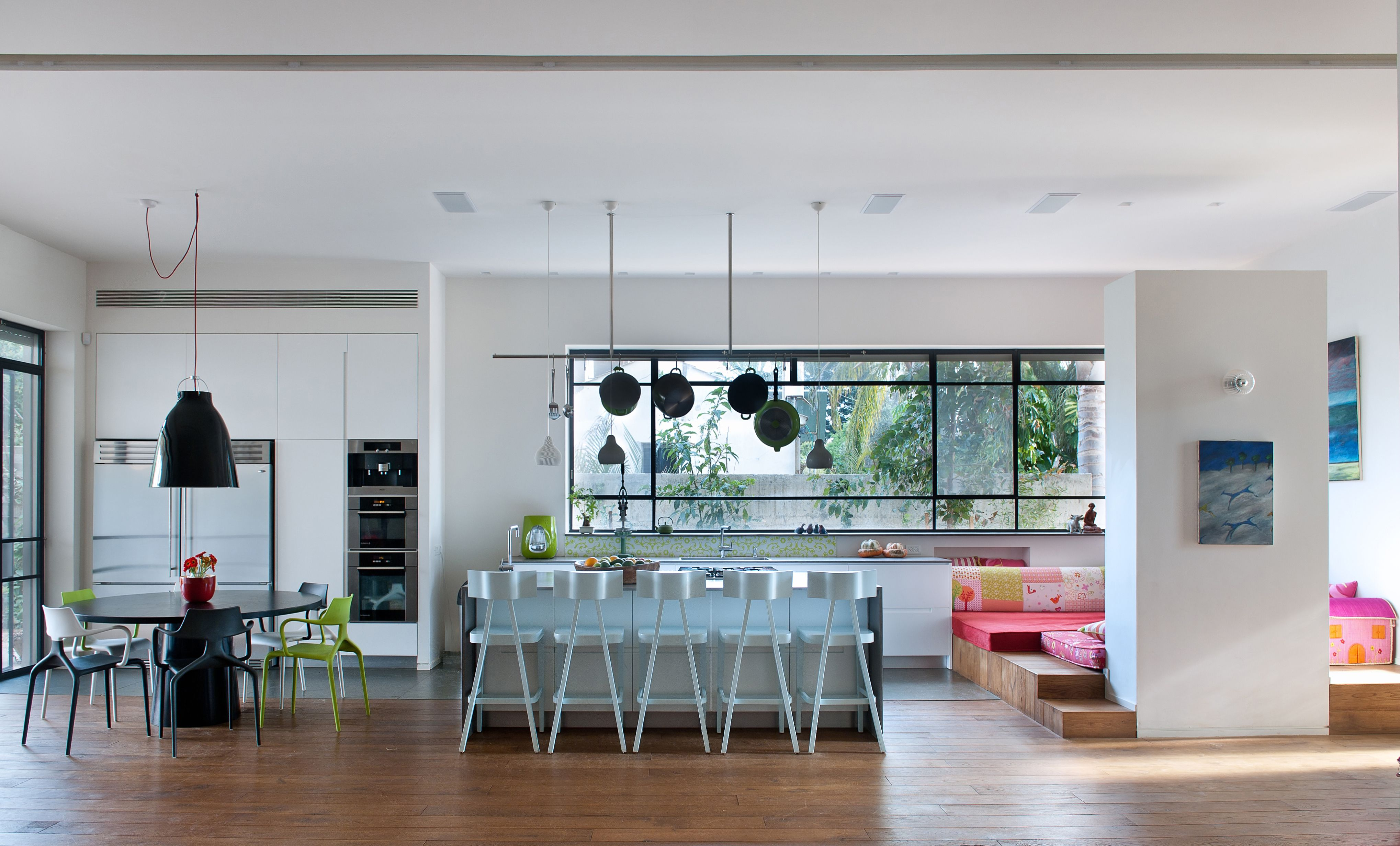Cabinet D Architecte Nice חלון פרופיל בלגי ברזל גדול במטבח. תובל-מינימל | contemporary