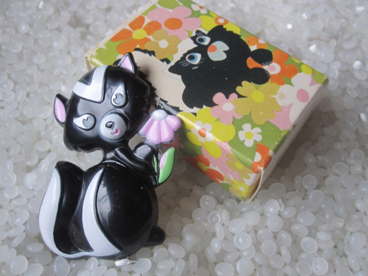 Skunk perfume pin in box Sniffy. $12.00 Etsy.