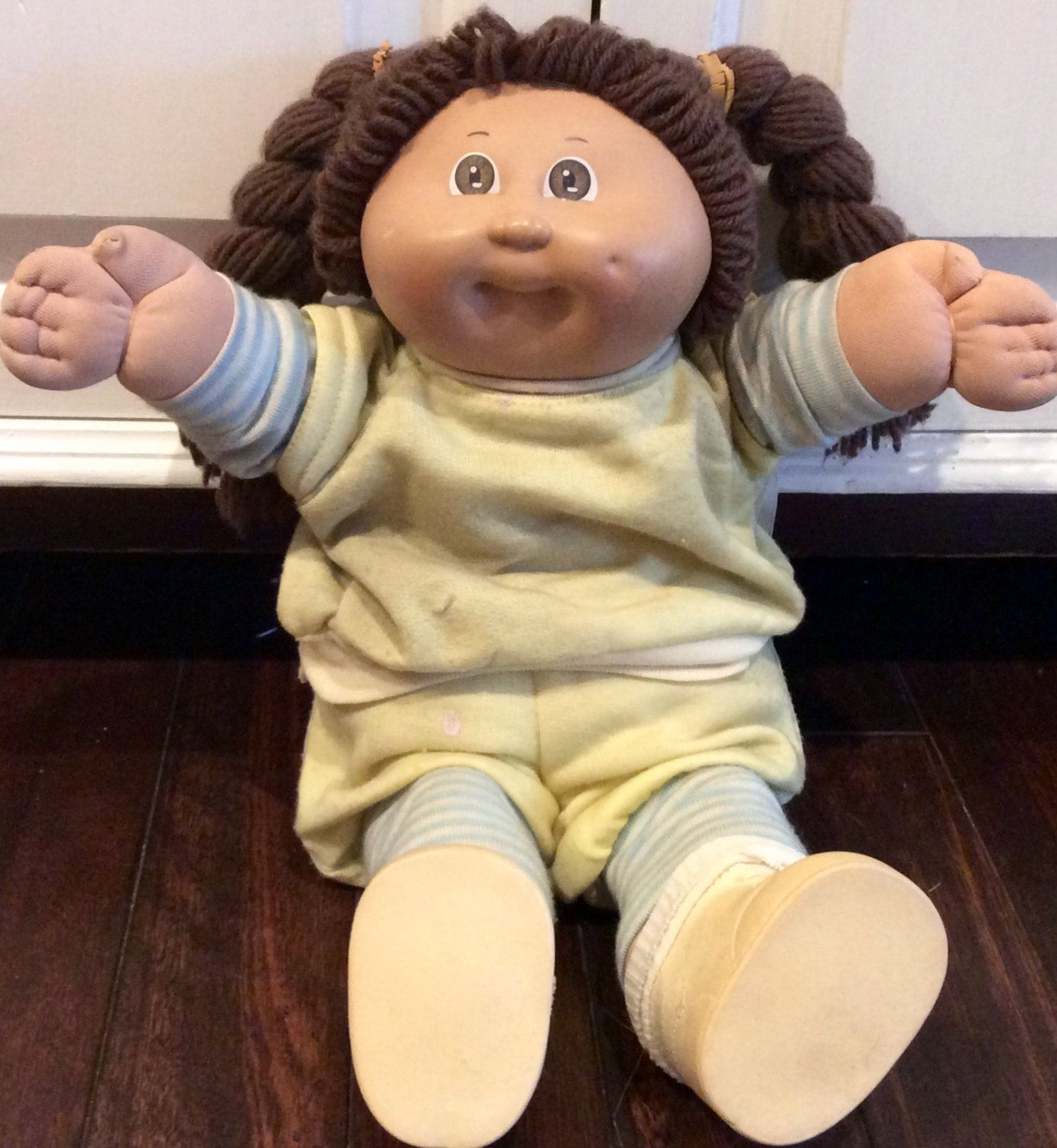 1984 Cabbage Patch Kids Girl Doll With Brown Hair Brown Eyes By Xavier Roberts Vintage Cpk Dolls Coleco Dolls Oaa Cabba Cabbage Patch Kids Kids Girl Dolls