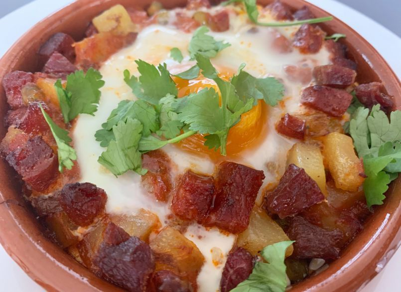 Huevos A La Flamenca Con Patatas Y Chorizo Receta Petitchef Receta Chorizo Recetas Con Chorizo Comida Y Vino